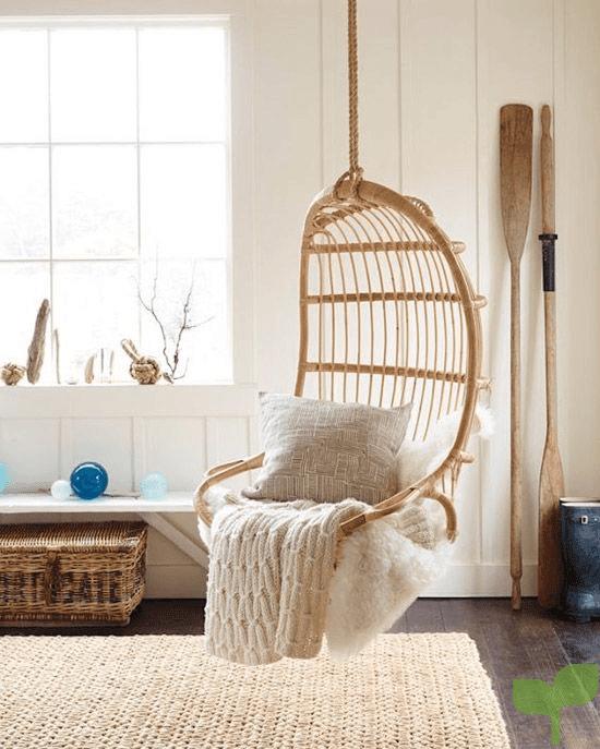 asiento colgante 2 - Cómo decorar un salón pequeño