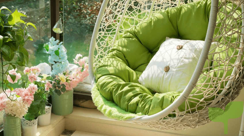 Terraza pequeña con mueble colgante 1